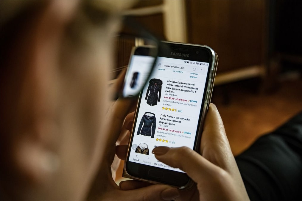 What is online shopping addiction?